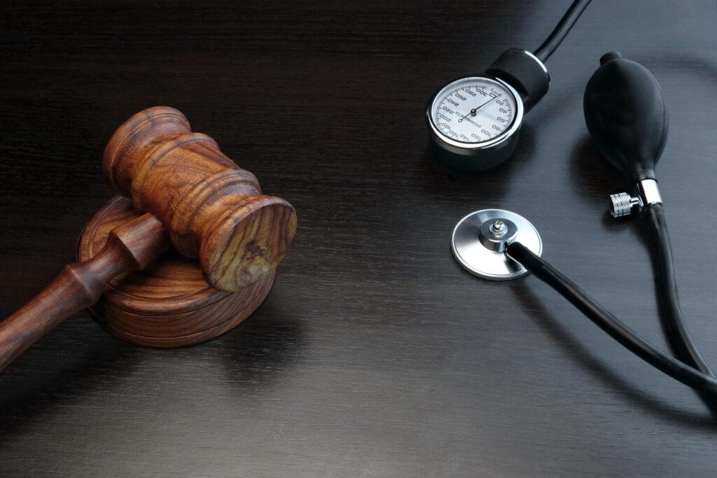 Medical monitoring, medical lawsuits, medical lawyers, medical lawsuits, medical mass torts